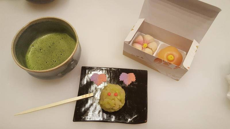 Featured image for 5 Popular Traditional Japanese Desserts to Satisfy your Sweet Tooth
