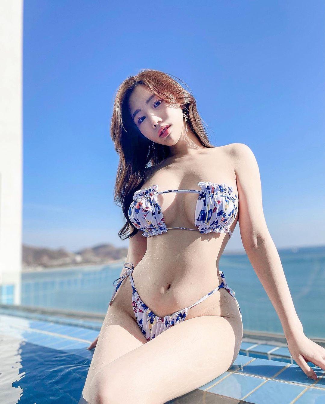 Featured image for Instagram Star Jeon yebin [전예빈] Stuns Fans in New Bikini Instagram Post